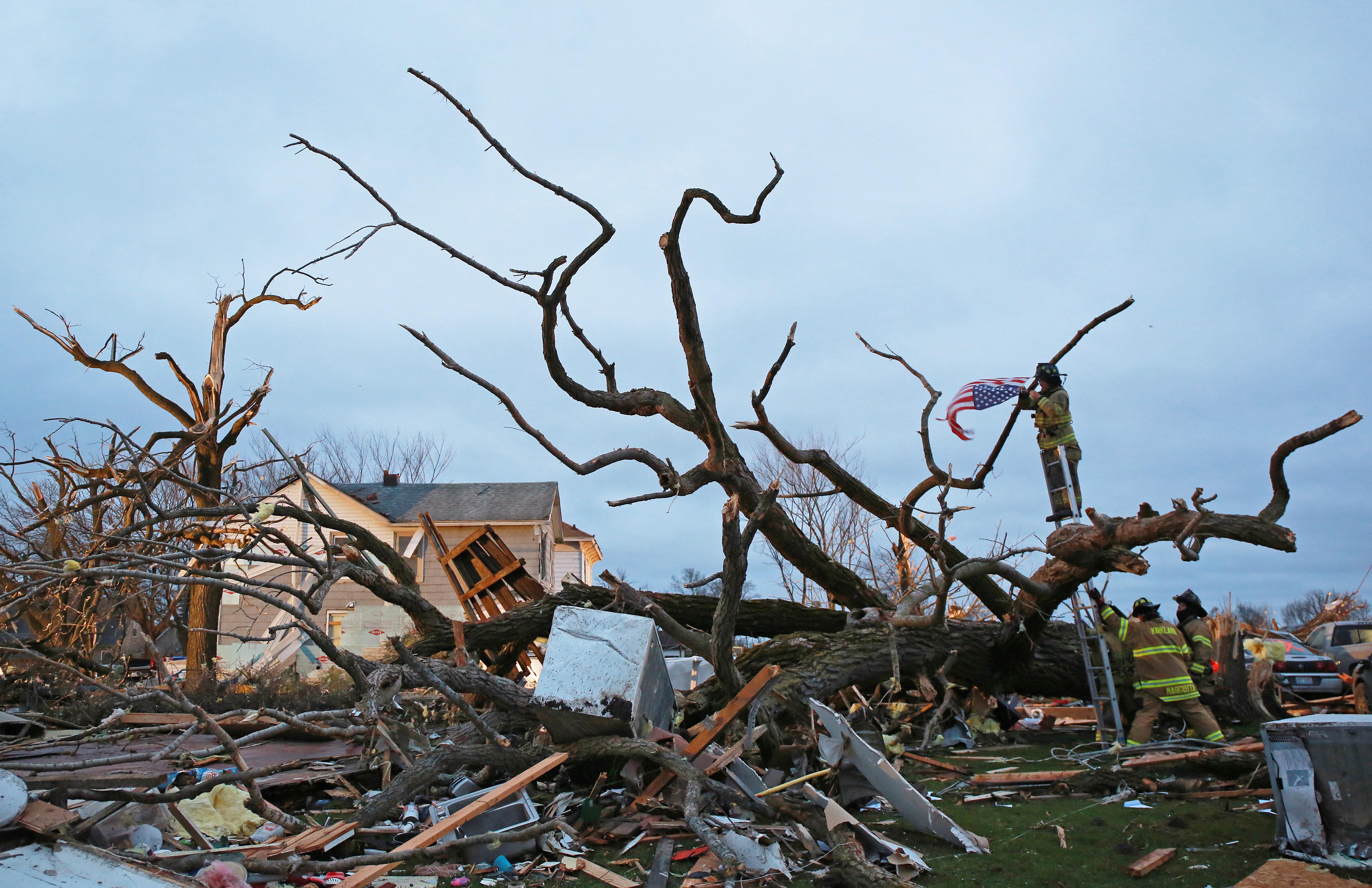 ct-tornado-follow-met-0412